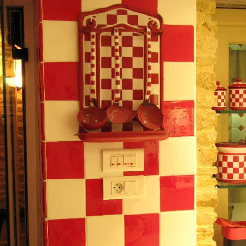 D cor c ramique et tomettes hexagonales terre cuite for Faience ancienne cuisine