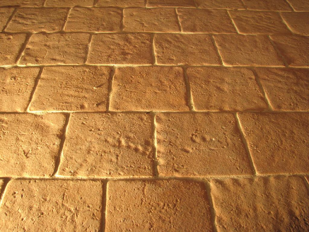Fabricant carreaux et carrelage en terre cuite artisanal for Carrelage 20x20 marron