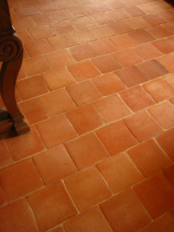 Fabricant carreaux et carrelage en terre cuite artisanal for Carrelage style tomette