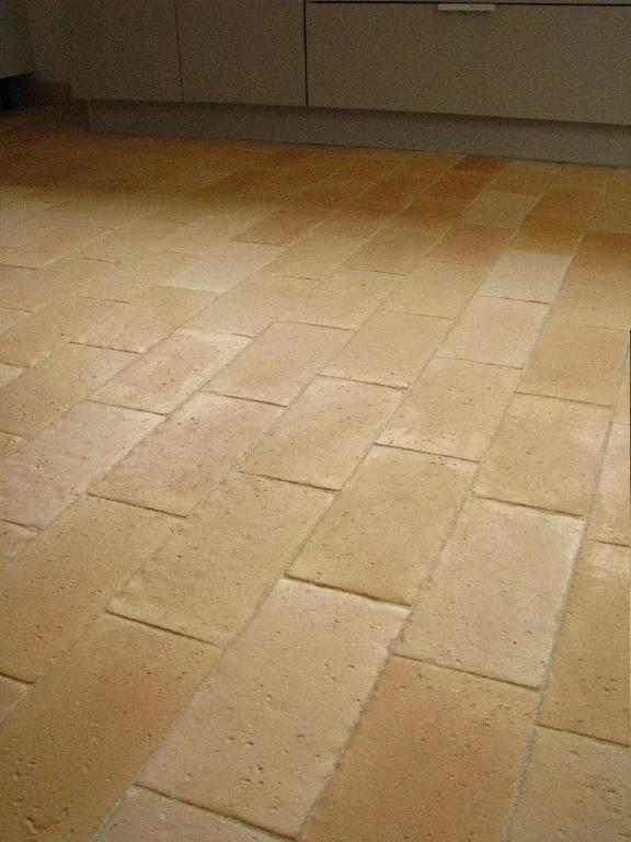 Fabulous carrelage terre cuite style ancien x antique imga with carrelage rouge ancien - Carrelage ciment provencal ...