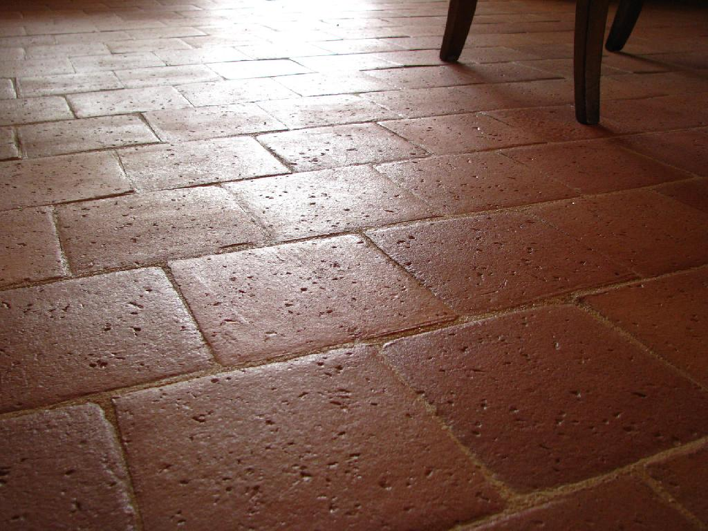 Carreaux anciens carrelage finition terre cuite for Carrelage style tomette