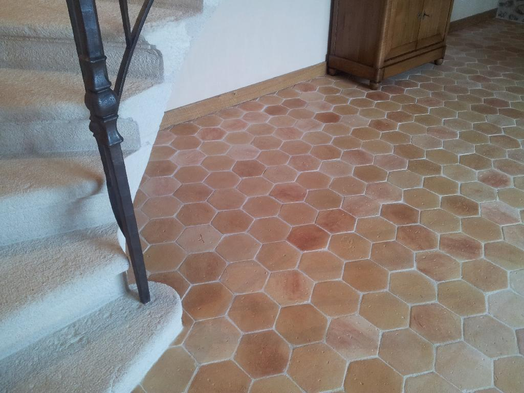 Carreaux anciens carrelage finition terre cuite for Carrelage tomette