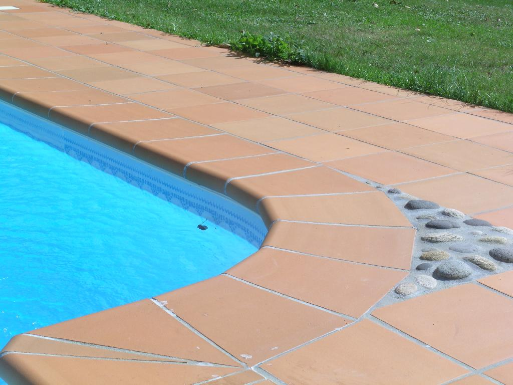 Dallage piscine pas cher awesome terrasse with dallage - Carrelage piscine pas cher ...