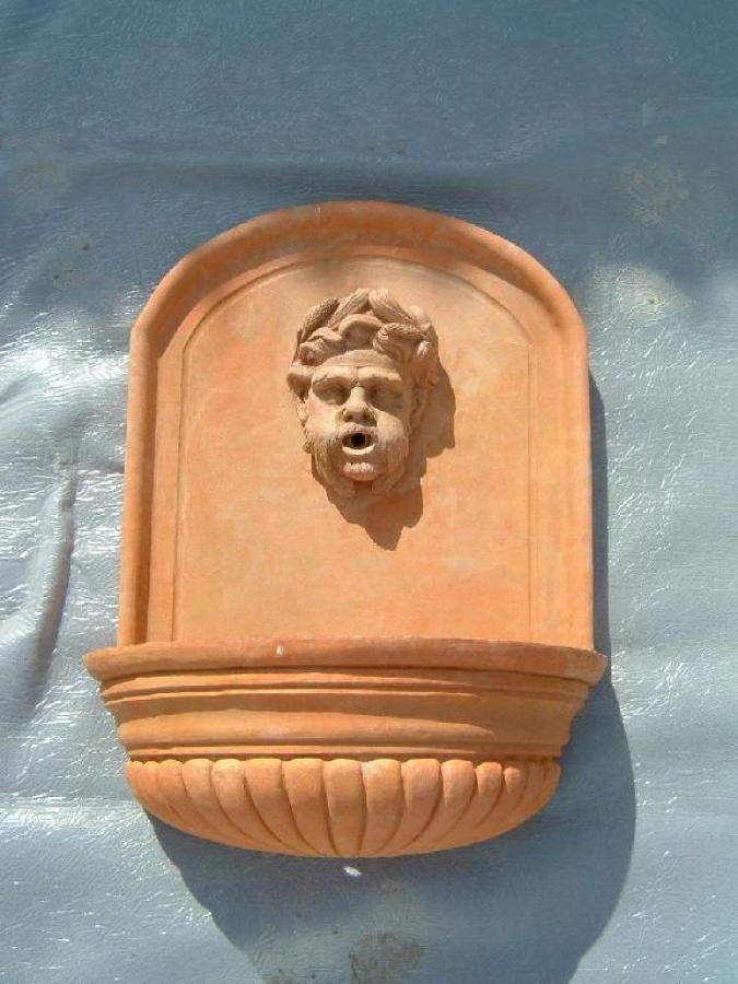 Accessoires en terre cuite, fontaine, poterie - Céramiques du Beaujolais