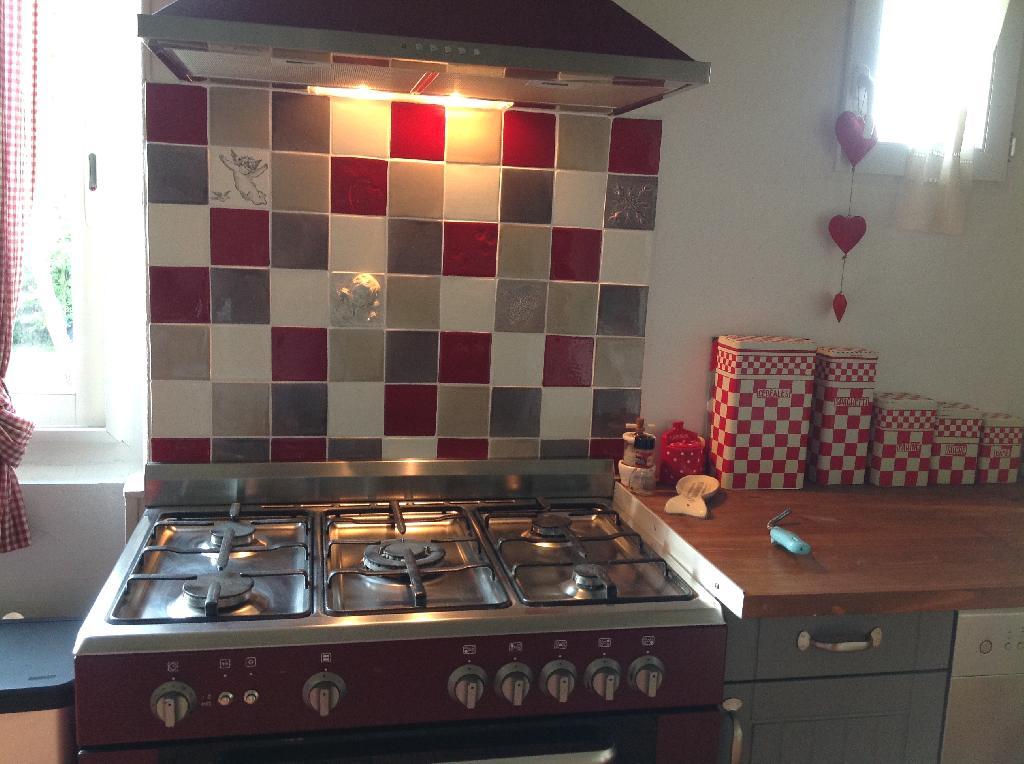 Faïence et carrelage mural de cuisine : carreaux artisanaux pour cuisine